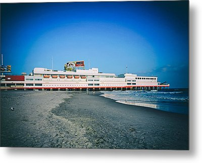 Shoreline Of Atlantic City Metal Print by Mountain Dreams