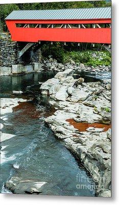 Taftsville Covered Bridge Vermont Metal Print by Edward Fielding