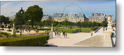 Tourists In A Garden, Jardin De Metal Print by Panoramic Images