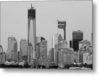 1 W T  C  And Lower Manhatten In Black And White Metal Print by Rob Hans