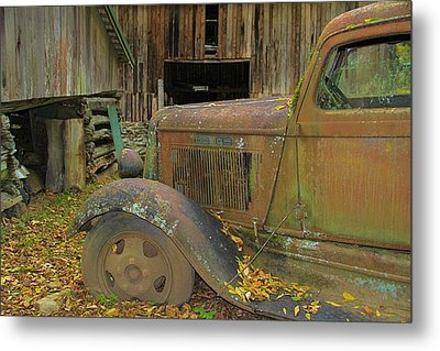 Dodge In The Country Fall Colors Metal Print by Dan Sproul