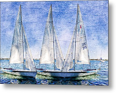 Into The Blue Metal Print by Debra and Dave Vanderlaan