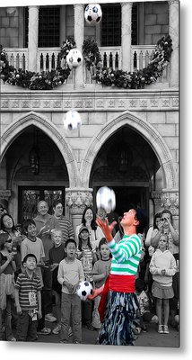 Juggler In Epcot Center Metal Print by Jim Hughes