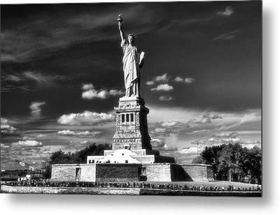 Statue Of Liberty Metal Print by Dan Sproul