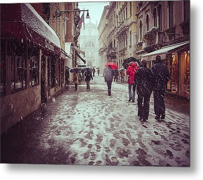 Metal Print featuring the photograph Venice In White by Thierry Bouriat