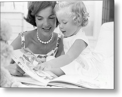 Jacqueline And Caroline Kennedy At Hyannis Port 1959 Metal Print by The Phillip Harrington Collection