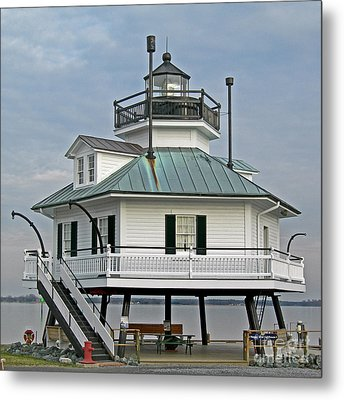 Hooper Straight Lighthouse Metal Print by Skip Willits