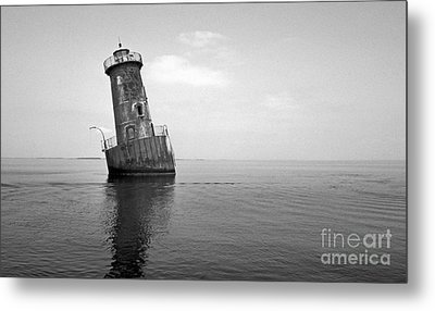 Sharps Island Lighthouse Metal Print by Skip Willits