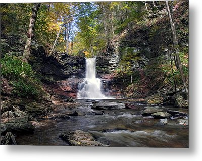A Touch Of Autumn At Sheldon Reynolds Falls Metal Print by Gene Walls