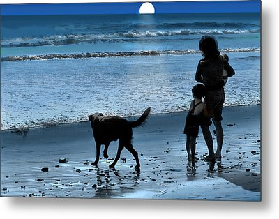 A Walk On The Beach Metal Print by Mike Flynn