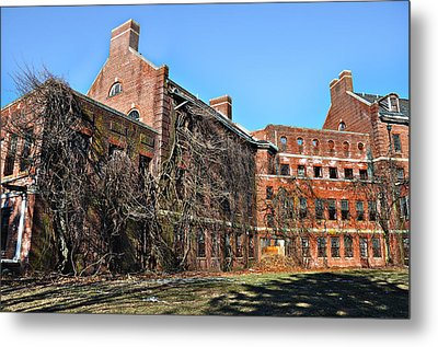 Abandoned Asylum Metal Print by Bill Cannon