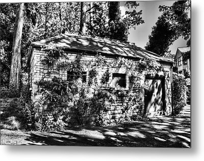 Abandoned Mono Metal Print by Steve Purnell