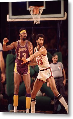 Abdul Jabbar Defends Wilt Chamberlain Metal Print by Retro Images Archive