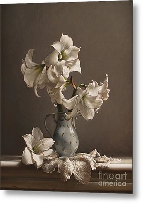 Amaryllis In A French Chocolate Pot Metal Print by Larry Preston