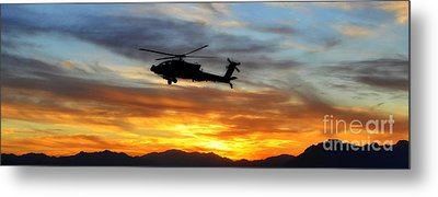 An Ah-64 Apache Metal Print by Paul Fearn