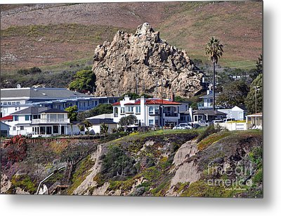 Ancient Sea Stack At Pismo Beach Above Motels Metal Print by Susan Wiedmann