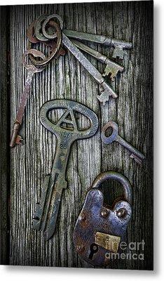 Antique Keys And Padlock Metal Print by Paul Ward