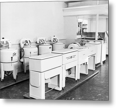 Appliance Store Display Metal Print by Underwood Archives