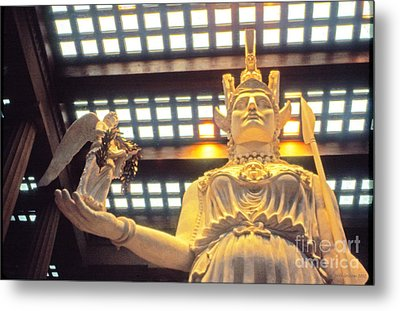 Athena And Nike Sculpture Metal Print by Jerry Grissom