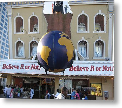 Atlantic City - Ripleys Believe It Or Not - 12129 Metal Print by DC Photographer