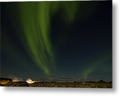 Aurora Borealis Over Iceland Metal Print by Andres Leon