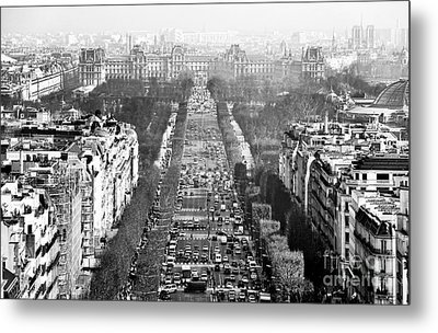 Avenue Des Champs-elysees Metal Print by John Rizzuto
