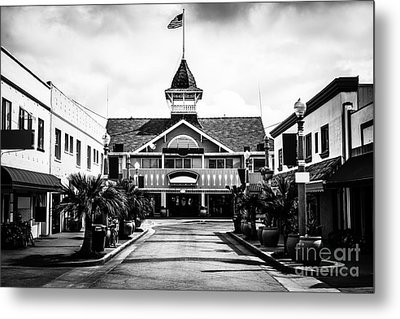 Balboa California Main Street Black And White Picture Metal Print by Paul Velgos