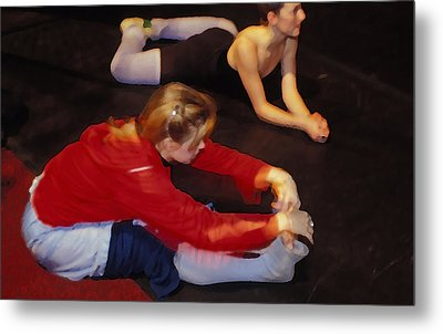 Ballet Dancers At Rest Metal Print by Carl Purcell