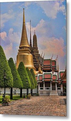Bangkok Palace Temple 3 Metal Print by David Smith
