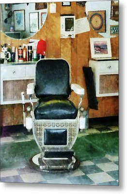 Barber - Barber Chair Front View Metal Print by Susan Savad