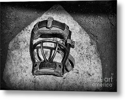 Baseball Catchers Mask Vintage In Black And White Metal Print by Paul Ward