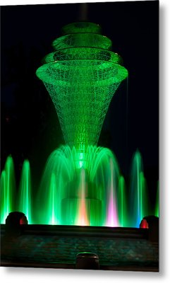 Bayliss Park Fountain Green Metal Print by Becky Meyer