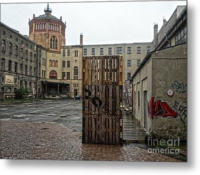 Berlin Architecture No.01 Metal Print by Gregory Dyer
