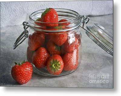 Berry Strawberries Metal Print by Tracy  Hall