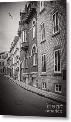 Black And White Old Style Photo Of Old Quebec City Metal Print by Edward Fielding