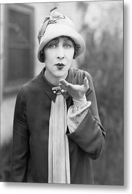 Blowing A Kiss Metal Print by Underwood Archives