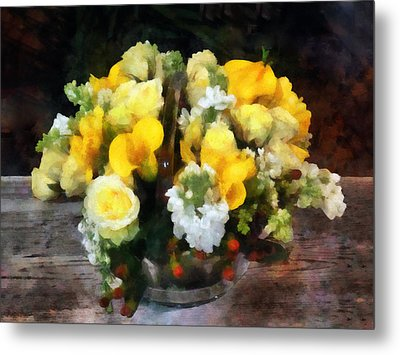 Bouquet With Roses And Calla Lilies Metal Print by Susan Savad