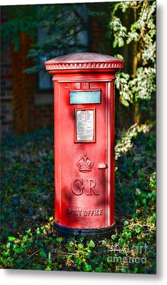British Mail Box Metal Print by Paul Ward