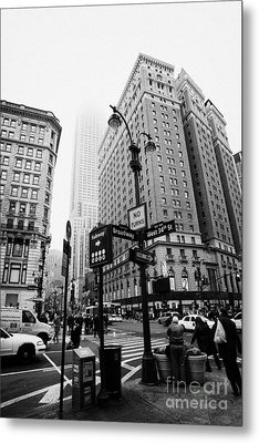 Busy Traffic Junction Of West 34th Street St And Broadway With Empire State Building Shrouded Mist Metal Print by Joe Fox