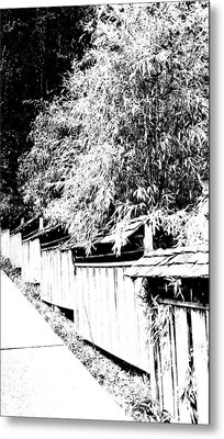 Butchart Gardens Fence Image Metal Print by Paul Price