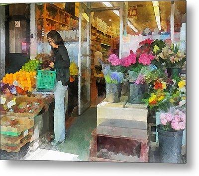 Buying Fresh Fruit Metal Print by Susan Savad