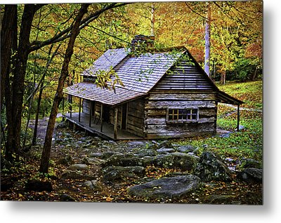 Cabin In The Woods Metal Print by Lawrence Golla