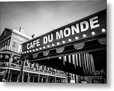 Cafe Du Monde Black And White Picture Metal Print by Paul Velgos