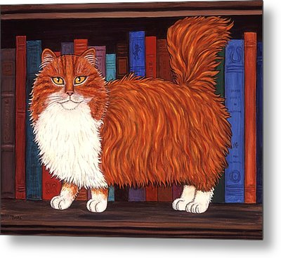 Cat On Book Shelf Metal Print by Linda Mears