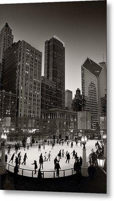 Chicago Park Skate Bw Metal Print by Steve Gadomski