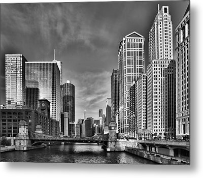 Chicago River In Black And White Metal Print by Sebastian Musial