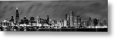 Chicago Skyline At Night In Black And White Metal Print by Sebastian Musial