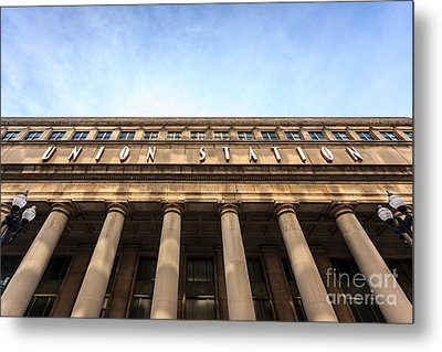 Chicago Union Station Sign And Building Columns Metal Print by Paul Velgos