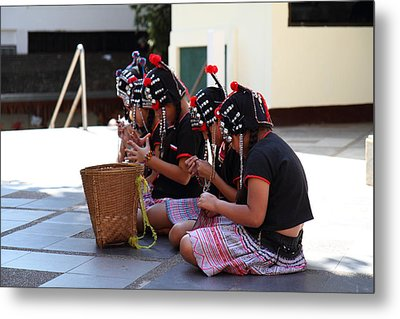 Child Performers - Wat Phrathat Doi Suthep - Chiang Mai Thailand - 01133 Metal Print by DC Photographer