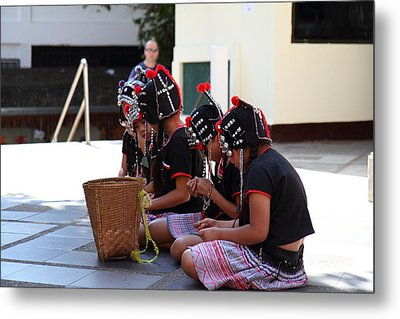 Child Performers - Wat Phrathat Doi Suthep - Chiang Mai Thailand - 01134 Metal Print by DC Photographer